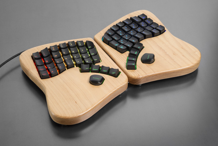 tastiera in legno ergonomica meccanica personalizzabile arduino