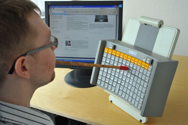 tastiera speciale per disabili utilizzo con bocca o testa